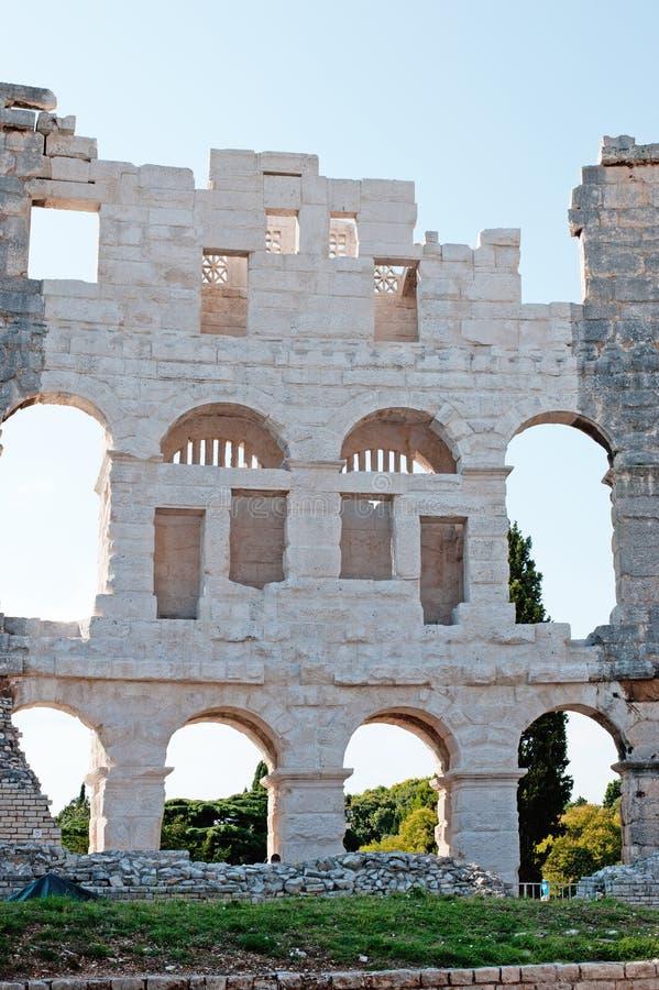 Oude Muren van Roman amfitheater Colosseum in Pula royalty-vrije stock afbeelding