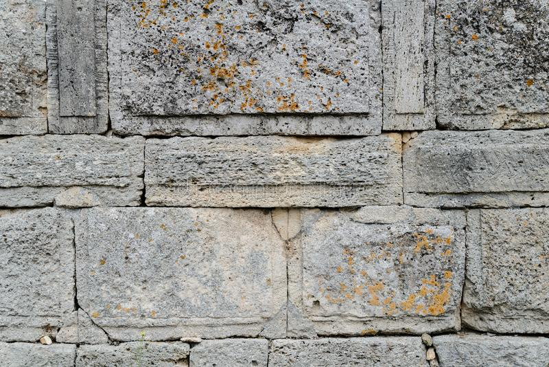 Oude muur met metselwerk royalty-vrije stock afbeelding