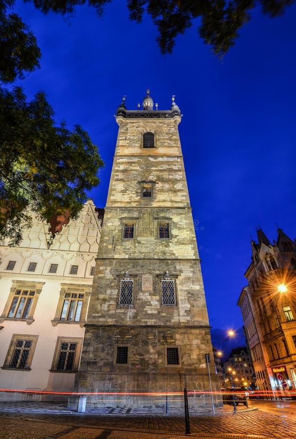 Oude Nieuwe Stad Hall Tower en nachtlichten, Praag, Tsjechische Republiek royalty-vrije stock afbeeldingen