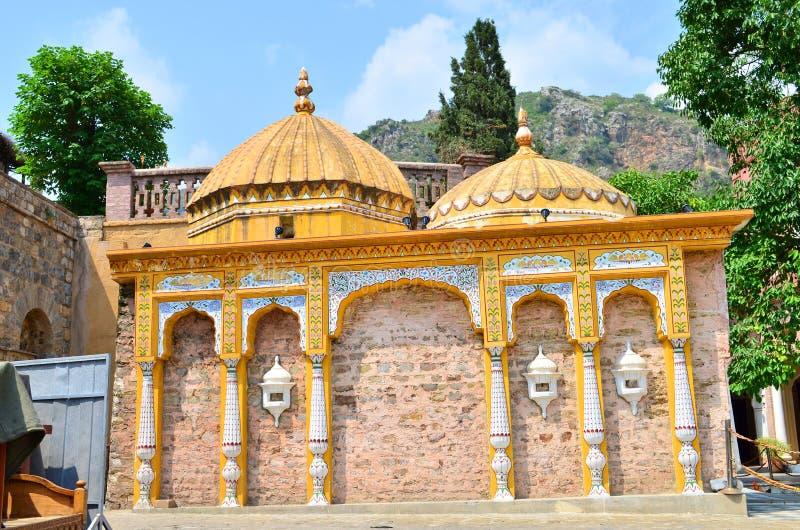 Oude Overgehelde Hinud-Tempel in Saidpur-Dorp! royalty-vrije stock afbeeldingen