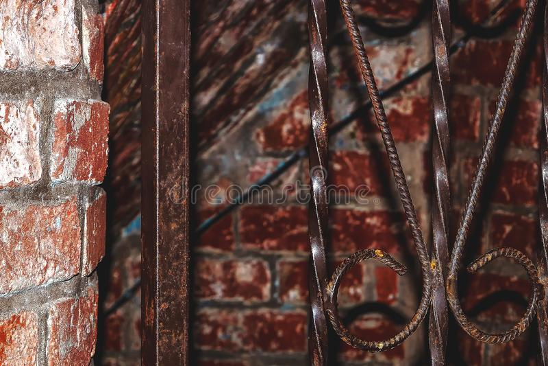 Oude passage aan de kelderverdieping stock afbeelding