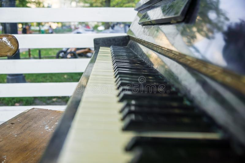Oude pianosleutels stock foto's
