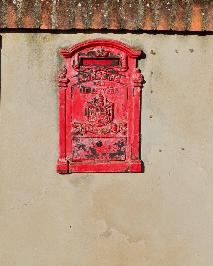 Oude postdoos stock foto