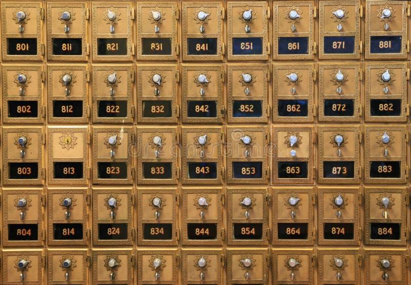 Oude postdozen stock afbeeldingen