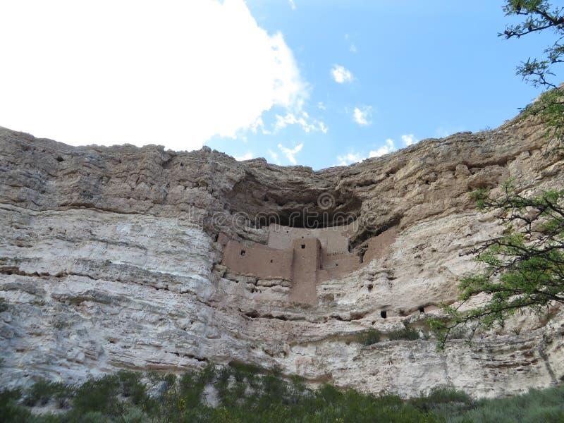 Oude pre-columbian klippenwoningen in Arizona stock afbeelding