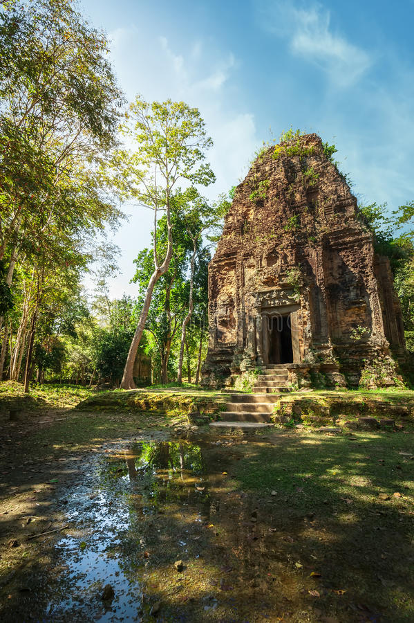 Oude pre de tempelruïnes van Angkor Sambor Prei Kuk kambodja royalty-vrije stock foto's