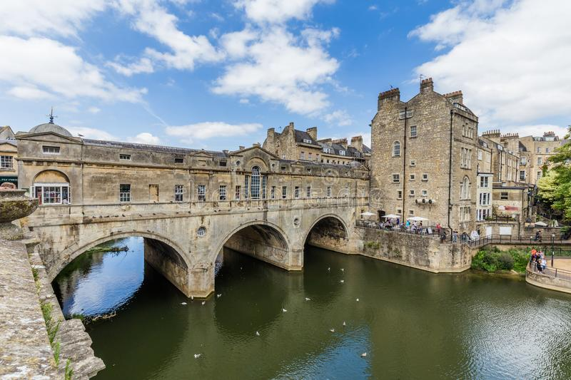 Oude Pulteney-Brug in Bad, Somerset, het UK royalty-vrije stock fotografie