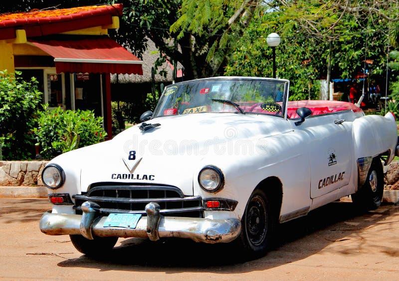 Oude retro auto in Havana, Cuba stock afbeeldingen