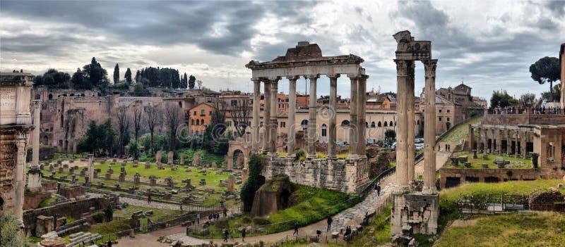 Oude Roman ruïnes in Rome, ROME stock afbeelding