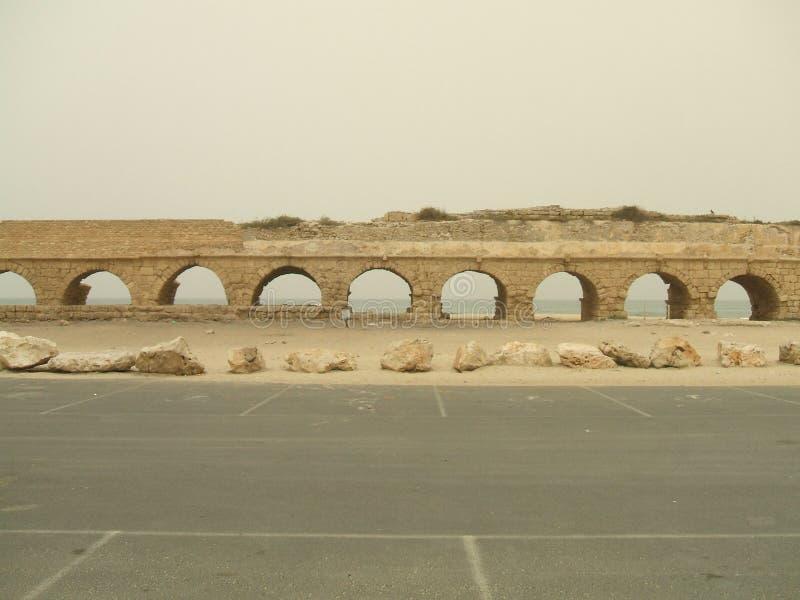 Oude Roman strandruïnes, Caesarea, Israël stock afbeelding