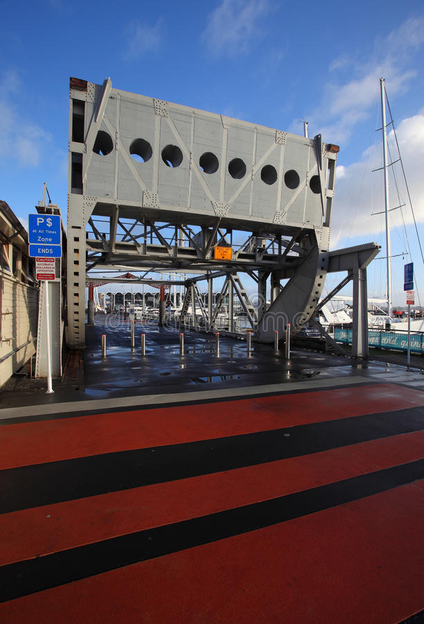 Oude Roterende Brug Auckland stock afbeelding