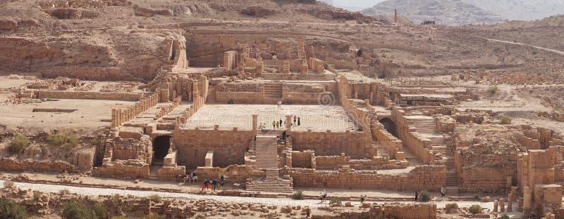 Oude Rotsruïnes van het Nabataean-Koninkrijk van Petra in Jordanië stock fotografie