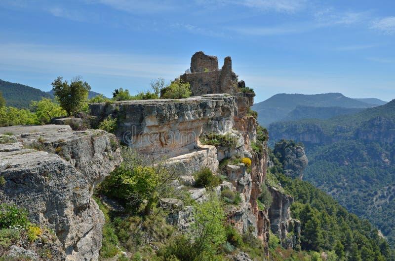 Oude ruïnes in de Prades-bergen stock foto's