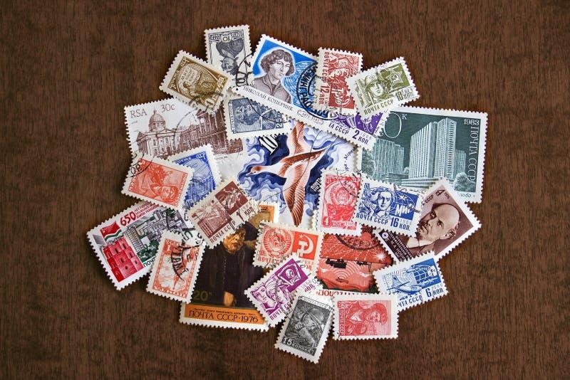 Oude Russische postzegels stock afbeeldingen