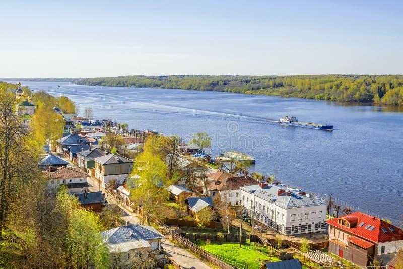 Oude Russische stad Ples op de Volga Rivier stock foto's