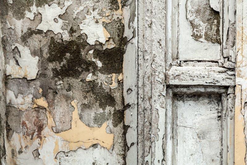 oude schil witte grijze muur stock afbeeldingen