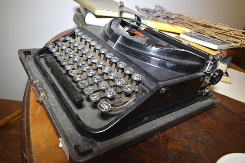 Oude schrijfmachine stock foto