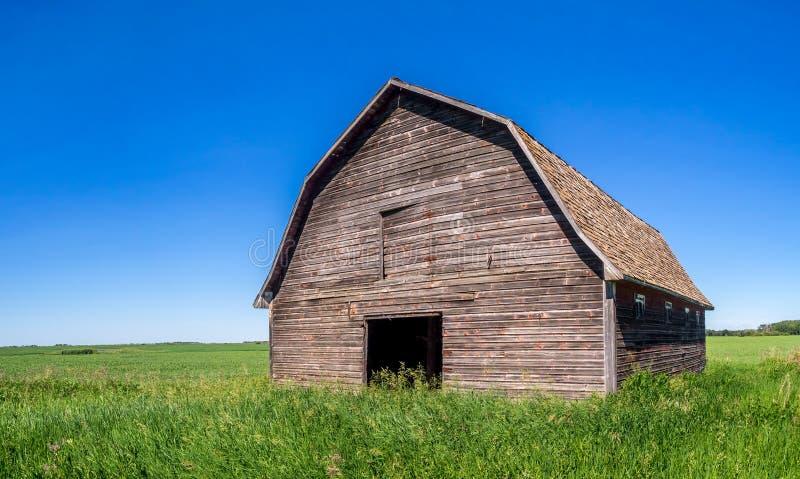 Oude schuur op de Prairies stock fotografie