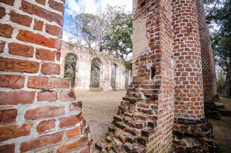 Oude Sheldon Church-ruïnes in Yemassee-Zuid-Carolina stock foto's