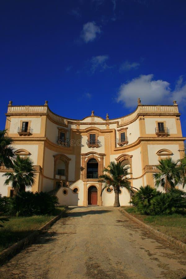 Oude Siciliaanse villa stock afbeelding