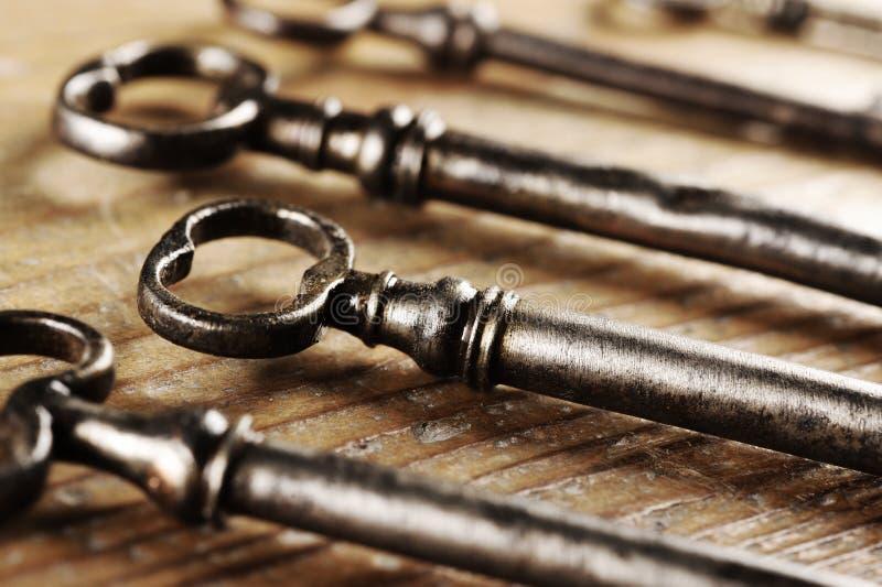 Oude sleutels stock afbeelding