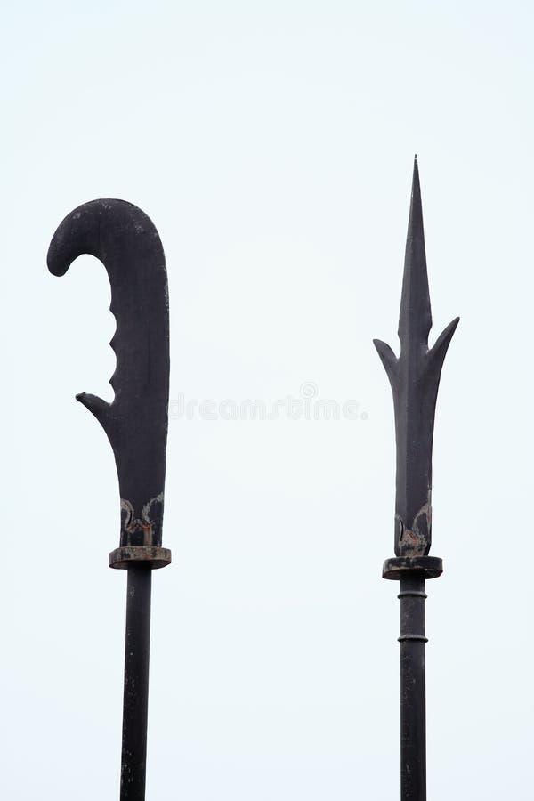 Oude spears en militairen op Grote Muur (China) stock foto