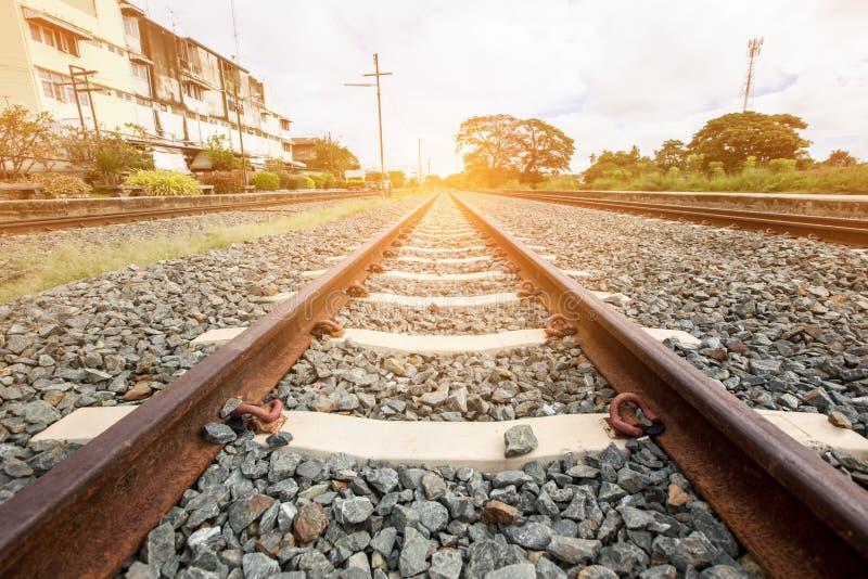 Oude spoorweg op concrete dwarsbalk royalty-vrije stock foto