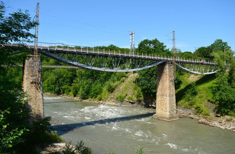 Oude spoorwegbrug stock foto's