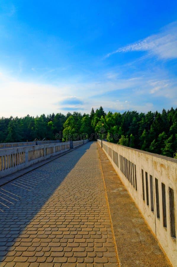Oude spoorwegviaducten in Stanczyki royalty-vrije stock afbeeldingen