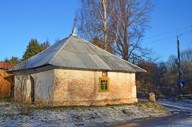 Oude St Nicholas Nikolskaya kapel in het dorp Letniy Borok in het gebied van Pskov, Rusland royalty-vrije stock foto's