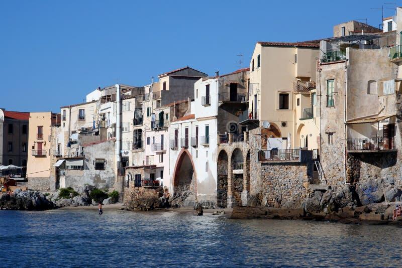 Oude stad Cefalu in Sicilië stock fotografie
