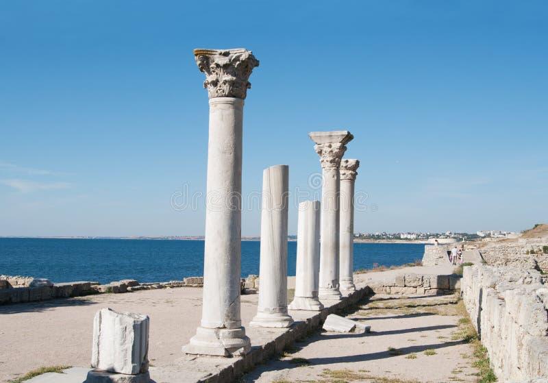 Oude stad Chersonese, kolommen van van Basiliek VIX c , De Krim stock fotografie