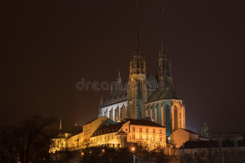Oude stad en kathedraal in Brno stock afbeelding