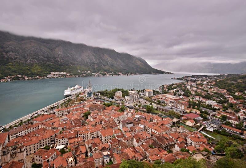 Oude Stad Kotor en Kotor-Baai Montenegro stock fotografie