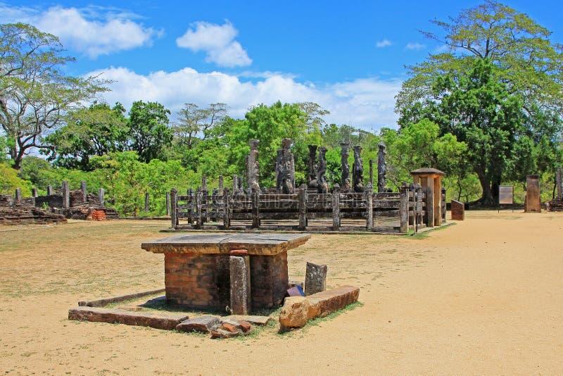 Oude Stad van de Tempel van Polonnaruwa ` s Nissankalata Mandapa - Sri Lanka-de Werelderfenis van Unesco stock afbeeldingen
