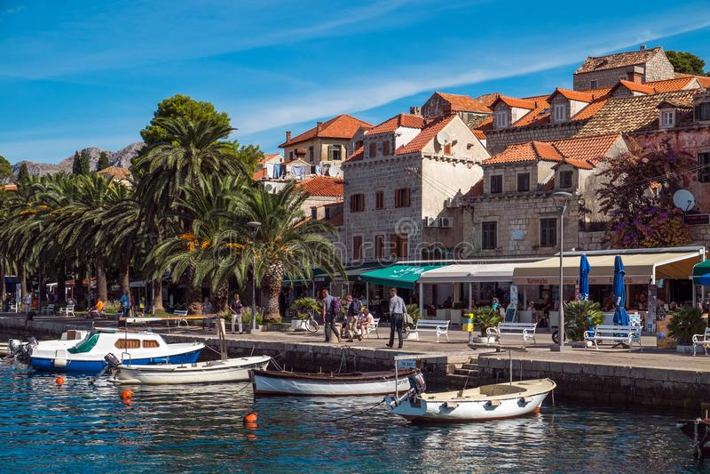 Oude Stad van Dubrovnik Kroatië Mening van het strand stock afbeeldingen