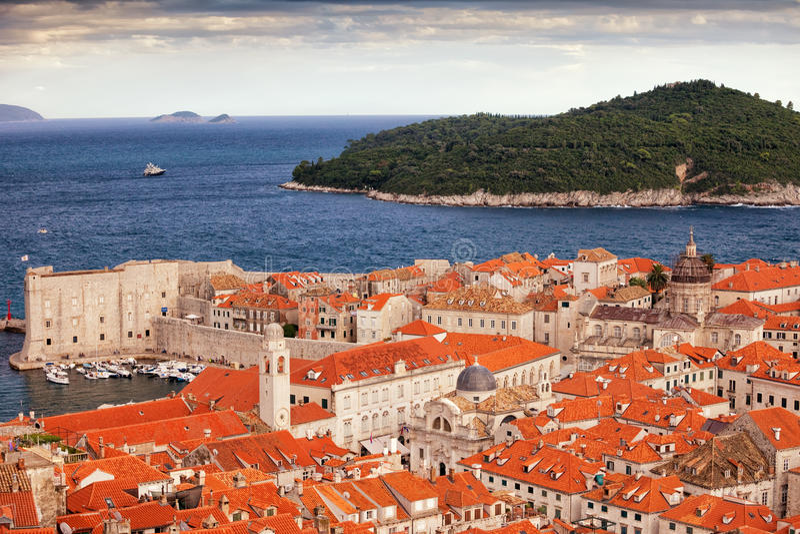 Oude Stad van Eiland Dubrovnik en Lokrum royalty-vrije stock afbeelding