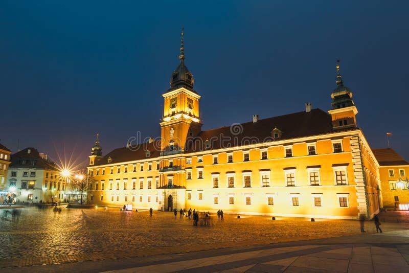 Download Oude Stad In Warshau, Polen Stock Afbeelding - Afbeelding bestaande uit cultuur, cityscape: 107701861