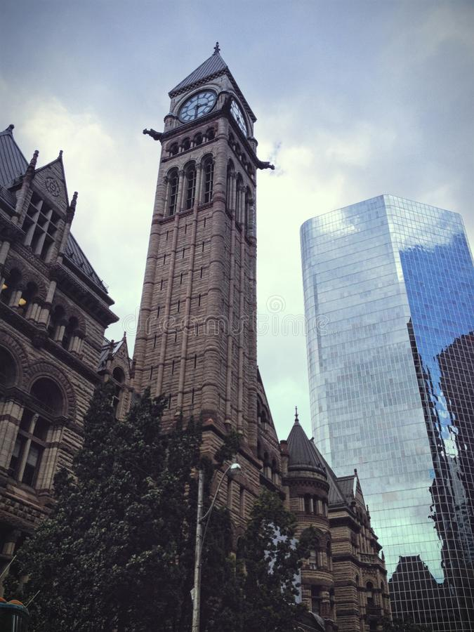 Oude Stadhuis de bouwklokketoren in Toronto stock fotografie