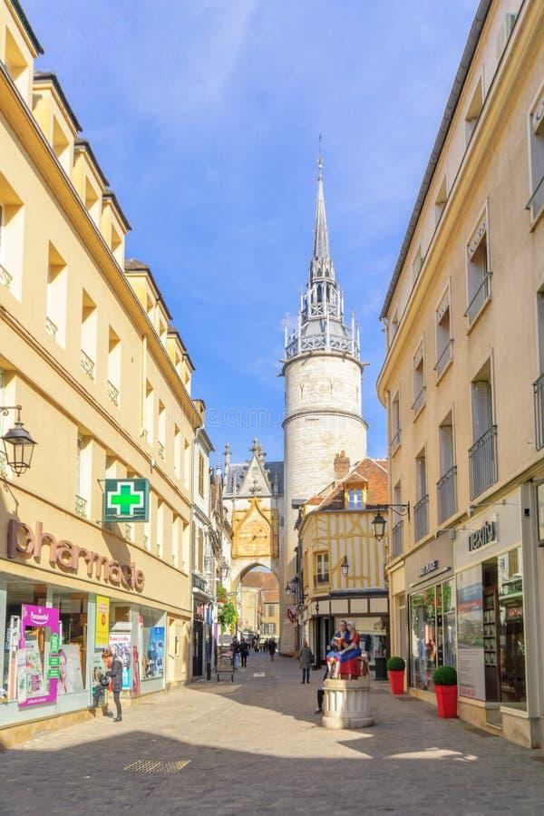 Oude stadsscène in Auxerre stock foto
