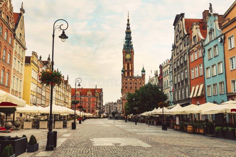 Oude Stadsstraat en gebouwen in Gdansk, Polen royalty-vrije stock afbeeldingen