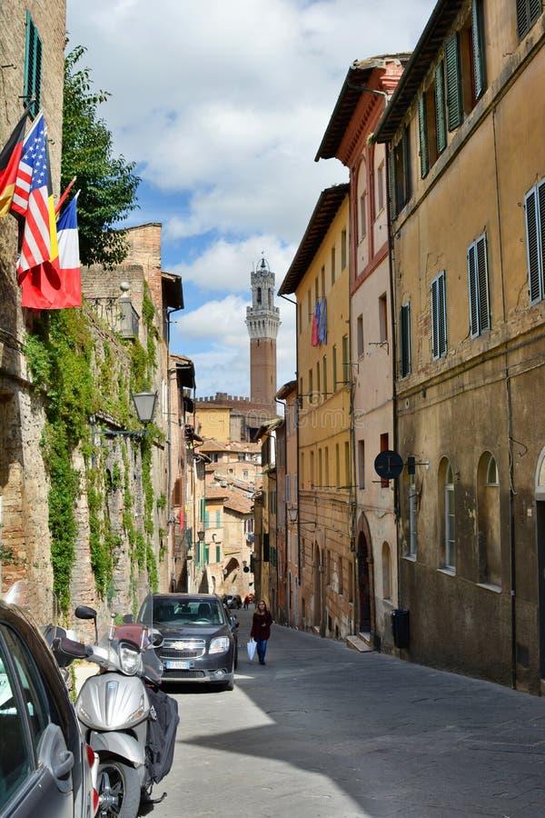 Oude stadsstraat Siena toscanië Italië royalty-vrije stock afbeelding
