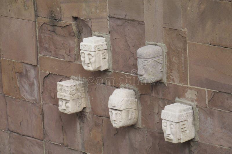 Oude standbeelden van de archeologische plaats van Tiwanaku royalty-vrije stock fotografie