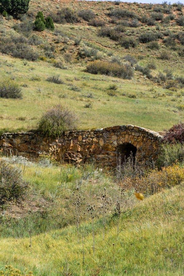 Oude steenbrug stock fotografie