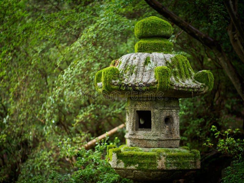 Oude steenlantaarn in Kyoto royalty-vrije stock fotografie