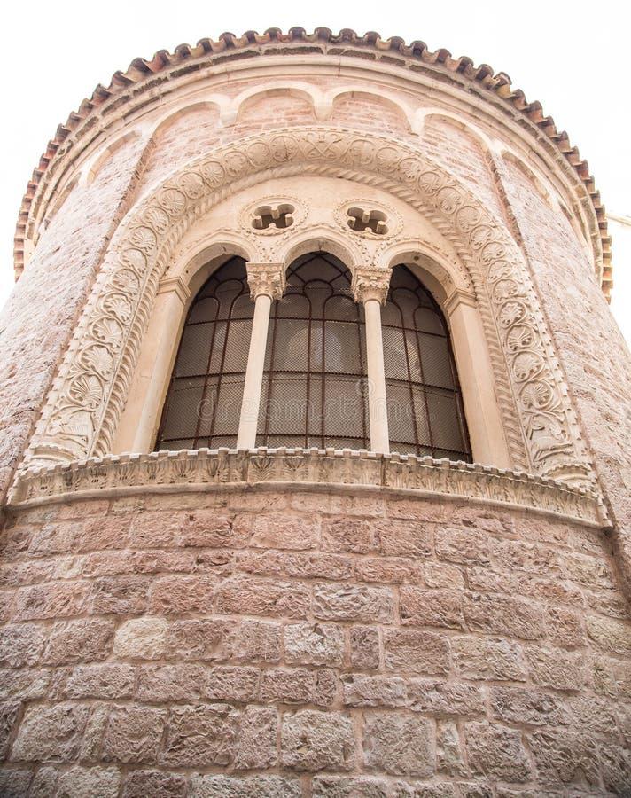 Oude Steentoren met Leaded Vensters in Kotor stock afbeelding