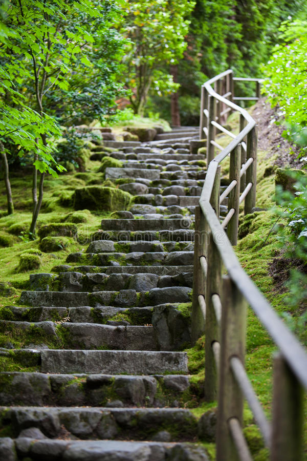 Rustieke steentrap, de Japanse Tuin van Portland stock foto