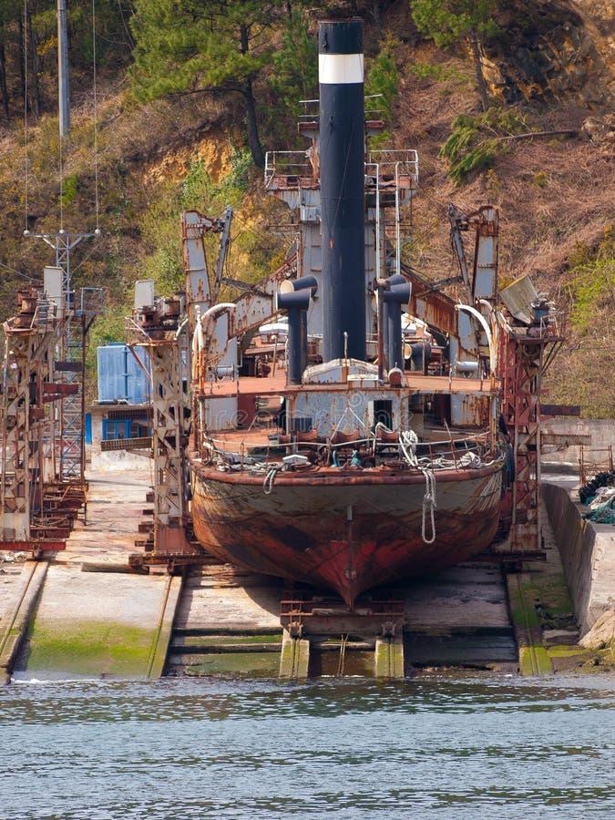 Oude stoom die in een dijk van Passages herstellen royalty-vrije stock foto's