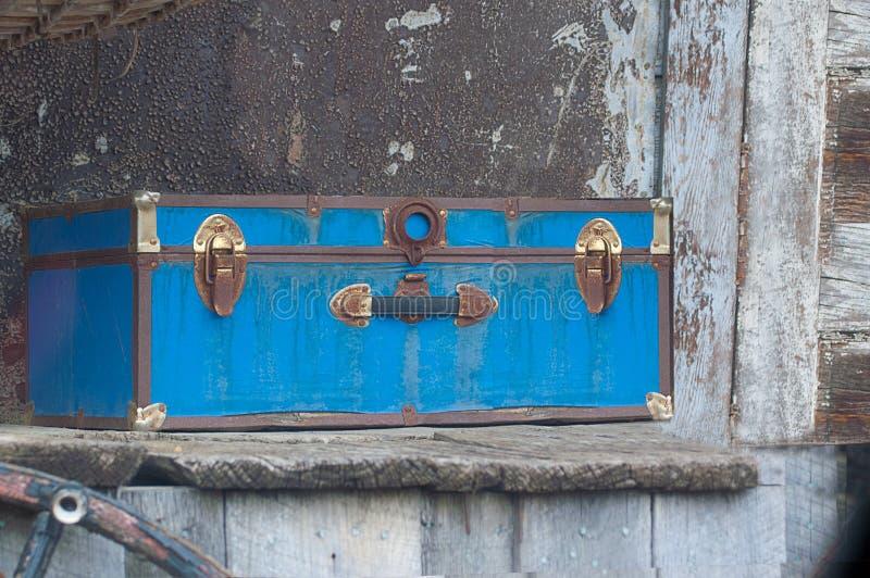 Oude Stoombootboomstam op Doorstane Houten Plank stock foto