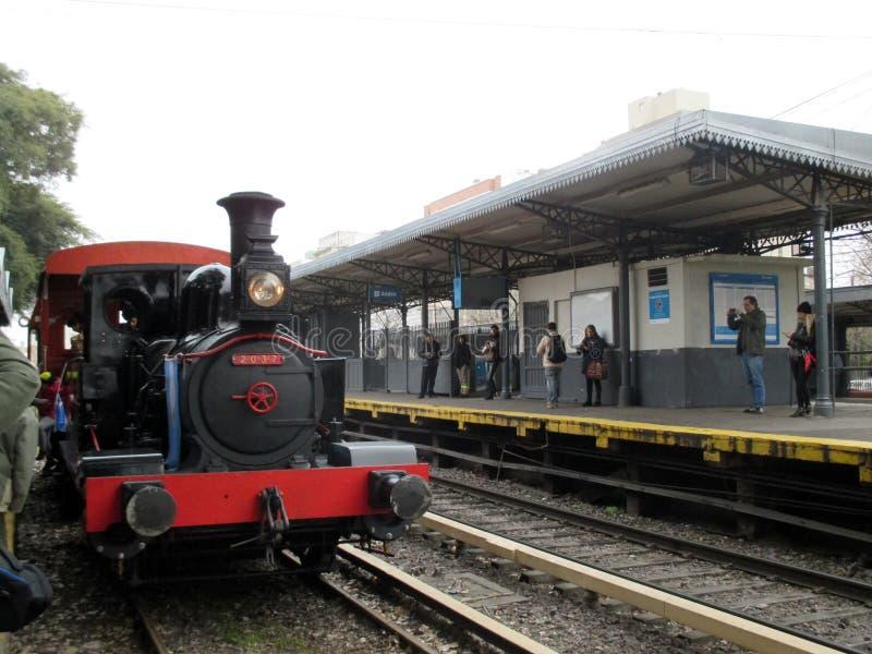 Oude stoommachine bij Haedo-station stock afbeelding